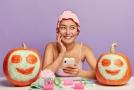 5 blogiausi veido odos priežiūros patarimai iš interneto